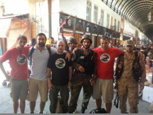 الوفد الإيطالي لجبهة التضامن الأوروبي مع جنود الجيش السوري في دمشق. الصورة من موقع الجبهة